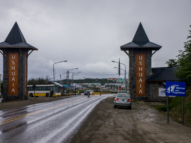 """Now I see what the other blogs said about the entrance being anti-climactic. You just kind of come around a bend, and this is your first sight of Ushuaia. No big 5-10km approach like many of the other cities I've been in on my trip. Just kind of """"oh, well, I guess I'm here!"""""""